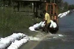 ปทุมธานี วอนรัฐประกาศภาวะฉุกเฉิน 2 อำเภอ