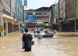 น้ำท่วมปราจีนยังอ่วมป้องพื้นที่ศก.-กทม.น้ำทะเลหนุน