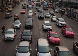 กทม.รถติดแยกชิดลม-เพชรบุรีท่อประปาแตก