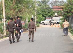 2 คนร้ายเหี้ยม ดักรอยิงโฟร์แมนพรุน ดับข้างถนน
