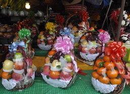 ชาวโคราชนิยมซื้อกระเช้าผลไม้เป็นของขวัญ