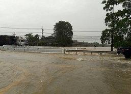 สุราษฎร์ฯ ฝนตกต่อเนื่องท่วมกว่า 1 เมตรกระทบ 4 อำเภอ