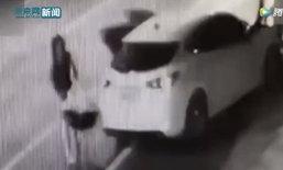 หญิงขับรถชนเสาไฟ กลับทิ้งลูกน้อยไว้ข้างทาง รุดพาหมาไปรพ.