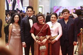 หน่อง อรุโณชา และทีมนักแสดง