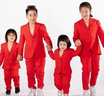 ลูกๆ ทั้ง 4 ของ เปิ้ล จูน