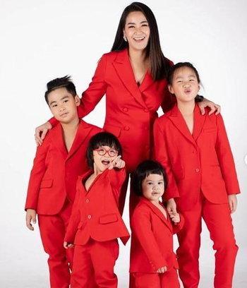 แม่จูน และลูกๆ ทั้ง 4
