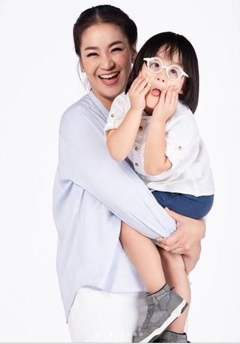 แม่จูน น้องออกู๊ด