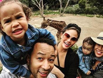 จอห์น เลเจนด์ กับครอบครัว