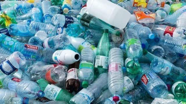 เริ่มปี 2564 แคนาดาตั้งเป้าแบนพลาสติกใช้ครั้งเดียวทิ้ง