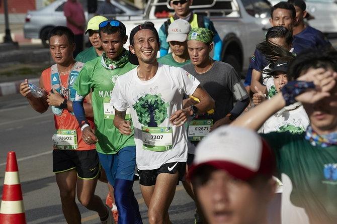 ประมวลภาพ คิง เพาเวอร์ ไทย เพาเวอร์ พลังคนไทย ร่วมวิ่งหนองคาย-ขอนแก่นกับ ตูน บอดี้สแลม