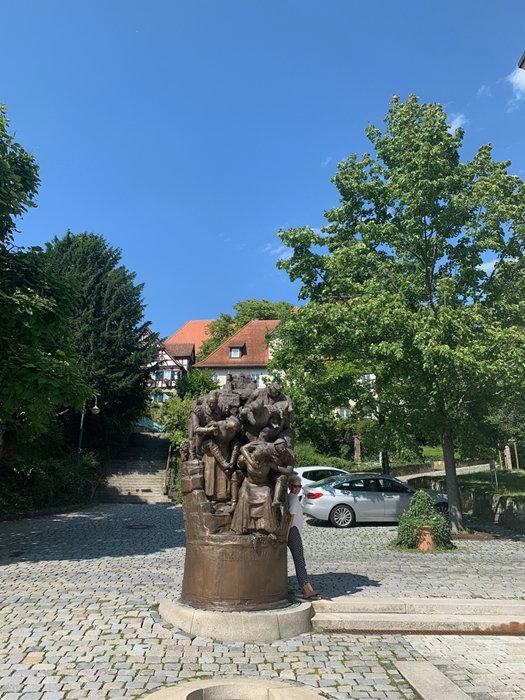 อนุสาวรีย์วีรสตรีเยอรมันในเมืองไวนซ์แบรก