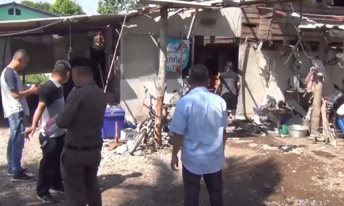 ตูมสนั่น อัดดินปืนเตรียมทำบั้งไฟ เกิดระเบิด บ้านพังยับ เจ็บอีก 2 ราย