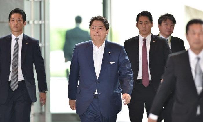 รมต.ญี่ปุ่นขอโทษ ใช้รถราชการไปสตูดิโอโยคะ ยืนยันแค่ออกกำลังกาย