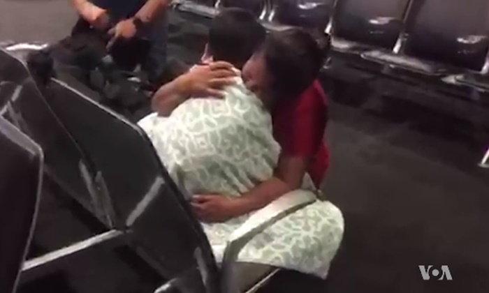 เด็กชายกัวเตมาลาได้พบหน้าแม่อีกครั้ง หลังถูกจับแยกที่พรมแดนสหรัฐฯ