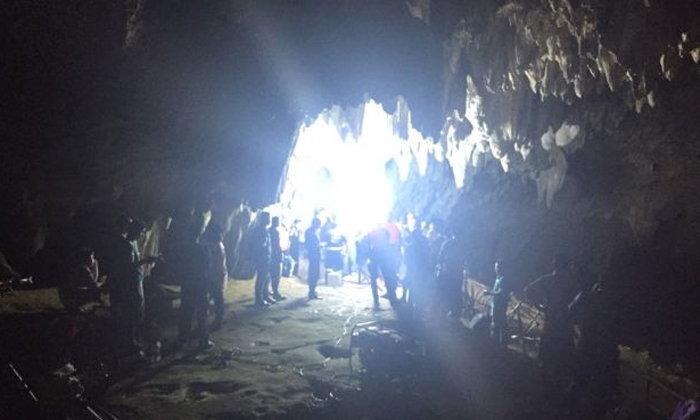 นักฟุตบอลเยาวชน-โค้ช 13 คน หายตัวในถ้ำหลวงฯ เชียงราย ยังหาตัวไม่พบ