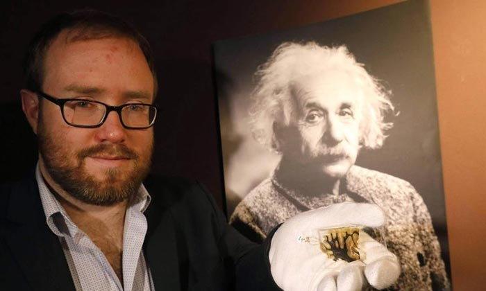 """ส่องเศษเสี้ยวสมองของอัจฉริยะบุคคล """"อัลเบิร์ต ไอน์สไตน์"""""""