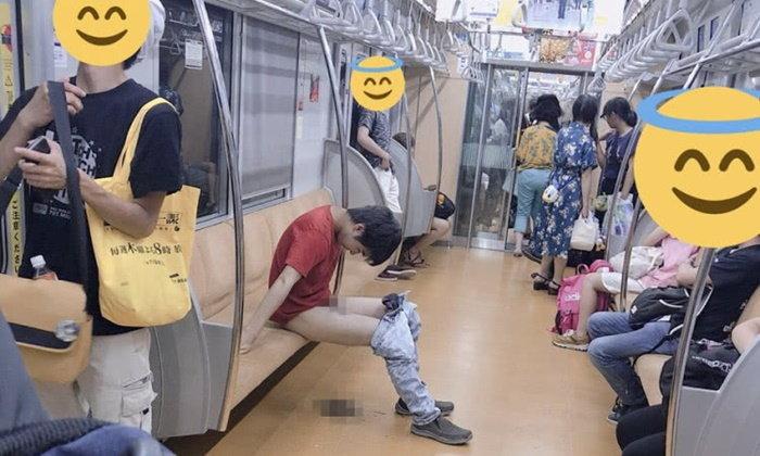 """แค่เห็นกลิ่นก็ลอยมา หนุ่มญี่ปุ่นถอดกางเกง นั่ง """"อึ"""" บนขบวนรถไฟใต้ดิน"""