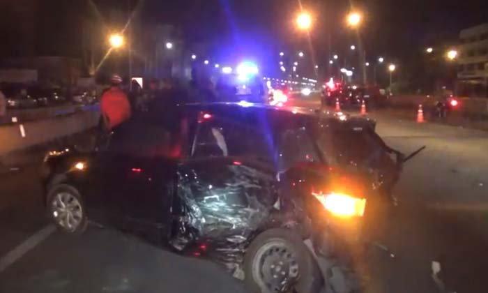 อุบัติเหตุสลด สาวขับเก๋งโดนชนท้าย ออกมายืนโบกรถกลับถูกชนซ้ำดับคาถนน