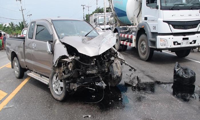 ตรงนี้ประจำ...กระบะยกสูงหมุนปะทะเก๋งป้ายแดง หนุ่มขับเก๋งถูกอัดติดในรถกว่า 1 ชม.