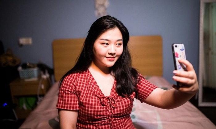 ไม่ผอมก็สวยได้ นางแบบสาวจีนหุ่นเจ้าเนื้อ ทำรายได้เกิน 2 แสนต่อเดือน