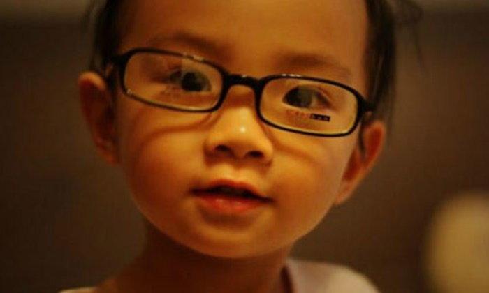 """""""สี จิ้นผิง"""" แนะใส่ใจปัญหาเยาวชนสายตาสั้น ย้ำเป็นปัญหาใหญ่ที่ต้องแก้ไข"""