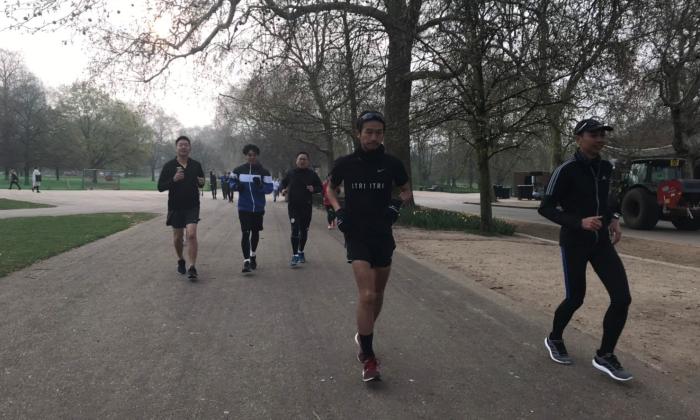 ตูน บอดี้สแลม เซอร์ไพรส์สื่อไทย นำขบวนวิ่งที่ Hyde Park ประเทศอังกฤษ (มีคลิป)