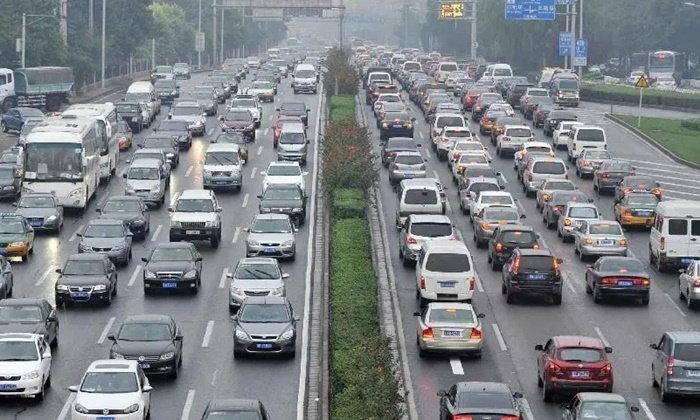 """ตำรวจจีน ผุดไอเดียจับมือ """"แอปฯ แผนที่"""" ส่งข้อมูลจราจรตรงถึงคนขับ"""
