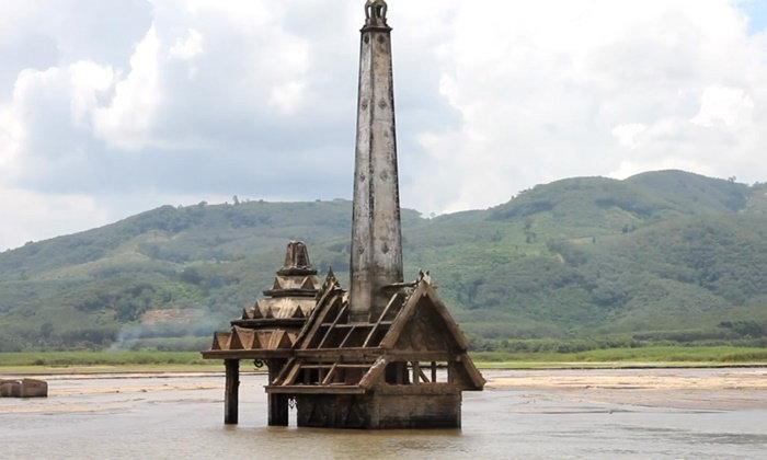 แห่ไปดู ซากหมู่บ้านวิปโยค โผล่พ้นอ่างเก็บน้ำ ในรอบเกือบ 30 ปี