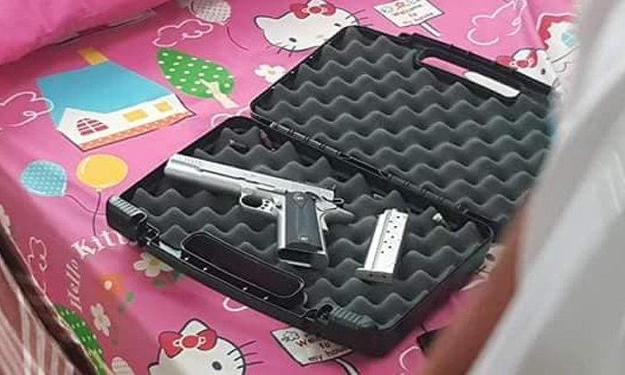 พ่ายพิษรัก! หนุ่มวัย 19 เศร้าแฟนบอกเลิก ขโมยปืนพ่อยิงตัวเองตายคาบ้าน