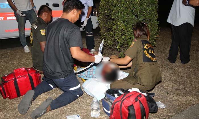 หนุ่มเมาเหล้าวิ่งข้ามถนน แท็กซี่ขับสวนเบรกไม่ทันพุ่งชนบาดเจ็บสาหัส