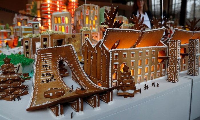 """เมืองกินได้! เหล่าสถาปนิกร่วมมือกันสร้าง """"อาณาจักรขนมขิง"""" สุดอลังการ"""