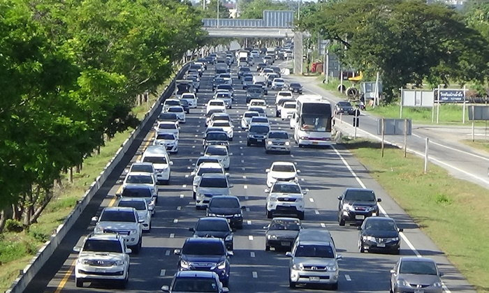 ถนนสายเอเชีย ขาเข้าเมืองกรุง ปริมาณรถแน่น เต็มทุกช่องจราจร