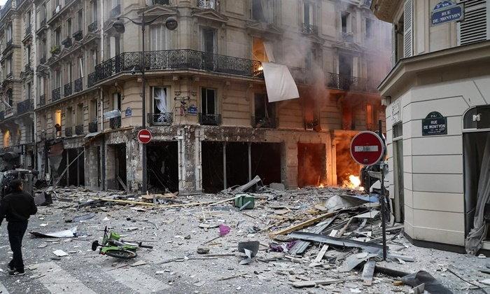 แก๊สรั่วระเบิดรับอรุณ ย่านใจกลางกรุงปารีส อาคารเสียหาย-บาดเจ็บระนาว