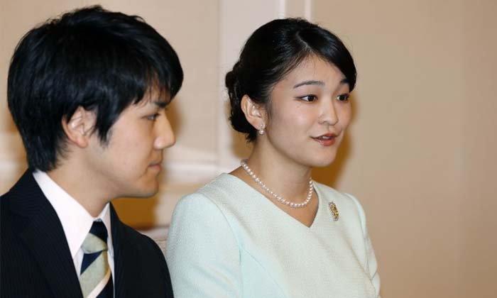"""พระคู่หมั้น """"เจ้าหญิงมาโกะ"""" เคลียร์ปมเรื่องเงินครอบครัวแล้ว หลังสื่อลือหึ่งต้นตอเลื่อนเสกสมรส"""