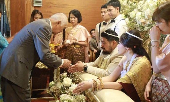 """ลือ! """"ป๊อบ ปองกูล"""" จดทะเบียนสมรสนานแล้ว ก่อนจัดพิธีแต่งงาน"""