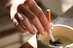 เด็กหญิง 3 ขวบ ติดบุหรี่-เบียร์จัด