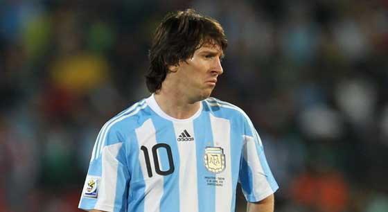 FIFAสอบด่วนเหตุเลเซอร์เล็งเมสซี่-มาราโดนา