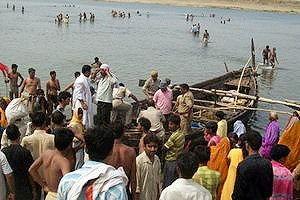 เรืออินเดียล่มวานนี้พบแล้วเกือบ 50 ศพ