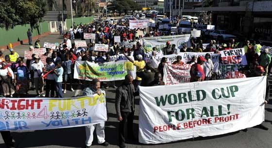 ตร.แอฟริกาใต้ตรึงเข้มหวั่นม็อบป่วนบอลโลก