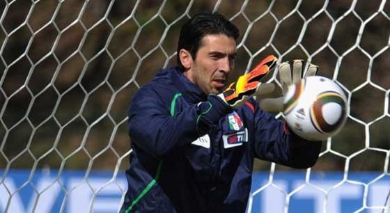 บุฟฟอนประตูมือ 1หวังมาช่วยอิตาลีได้อีก