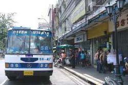 สลด! รถเมล์ทับยายวัย 71 ดับคาล้อ