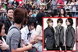 น้องปราง ลูกนายกฯ แห่กรี๊ด นักร้องเกาหลี JYJ