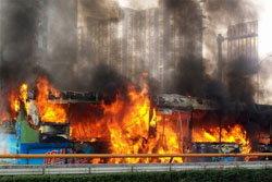 ระทึก! ไฟไหม้รถบัสรับส่งพนักงาน