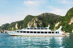 หวิดล่ม! เรือรั่วกลางทะเลเกาะพีพี