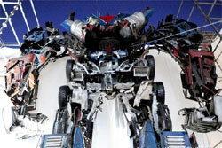บรรเจิด! สร้างหุ่นยนต์ทรานฟอร์เมอร์จากซากรถยนต์