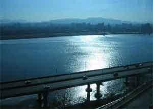 สุดอึ้ง! แม่น้ำสายมรณะ คนแห่ฆ่าตัวตายนับพัน