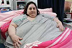 """หญิงอ้วนที่สุดในอังกฤษ ครวญ """"ฉันถูกปล่อยให้ตาย"""""""