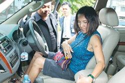 ฮีโร่! สาวท้อง9เดือน บึ่งรถไล่ตามโจร จนจับได้