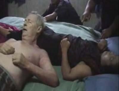 รมควันฆ่าตัวตาย!! ผัวฝรั่ง เมียไทยเครียดทำทัวร์เจ๊ง