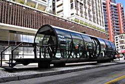 อึ้ง! ป้ายรอรถเมล์ สุดยอดไอเดีย